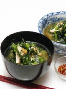 hearty chicken and kale miso soup